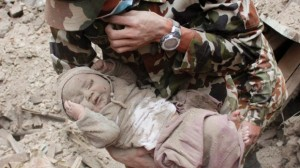 nepal-earthquake-baby-rescue
